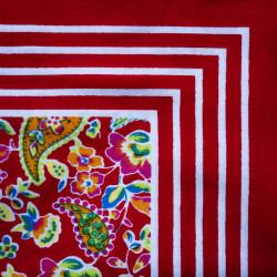 Rode zakdoek - bloemen - 55 x 55 cm
