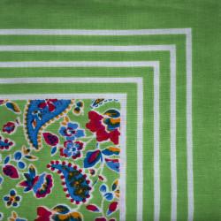 Groene zakdoek - bloemen - 55 x 55 cm
